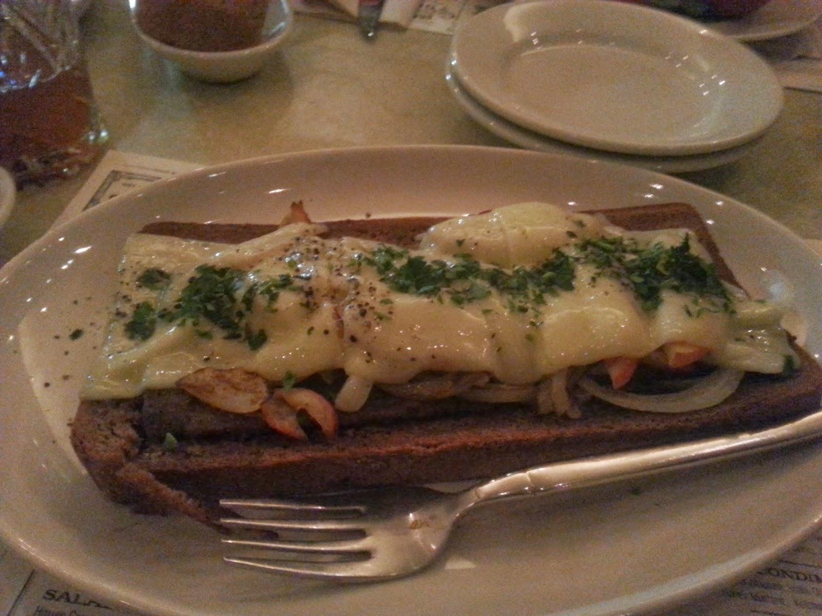 ShooflyDiner_scrapplesandwich