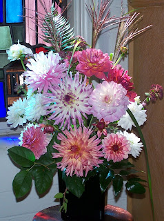 Shirley Beélik's church bouquet
