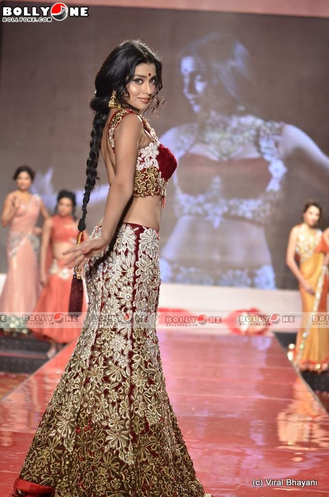 Sensual Shriya Saran Latest Ramp Walk Pics