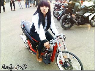 Indri+Barbie+Pembalap+Motor+Drag+Wanita