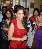 Madhuri Dixit & Huma promotes 'Dedh Ishqiya' movie on 98.3 FM Radio Mirchi