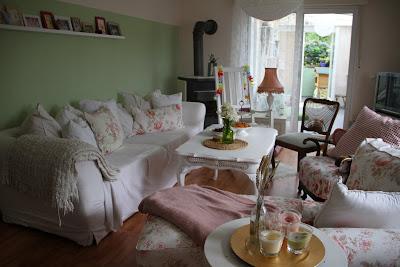 zauberheim die neue wohnung wohnzimmer. Black Bedroom Furniture Sets. Home Design Ideas