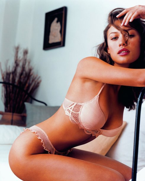 Olga Kurylenko James Bond Girl Lingerie Photos