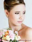 Makijaż, fryzura: Sabina Piechaczyk, www.konsystencja.pl (www)