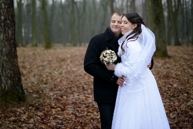 vestuvinė fotosesija miške sausį