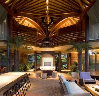 Rumah Unik Yang Mempunyai Bentuk Atap Menyerupai Daun [ www.BlogApaAja.com ]