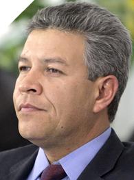 David Penchyna Grubb es candidato del PRI a senador por Hidalgo.