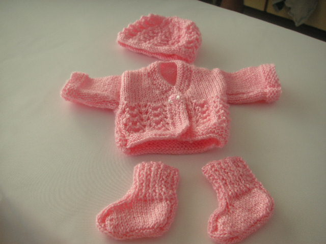 Knitting Patterns For Premature Babies : Knitting Galore: Knitting For A Premature Baby