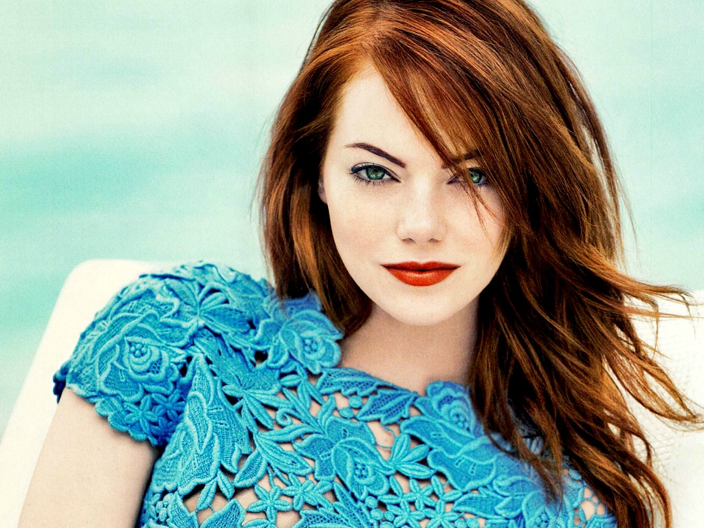 Emma Stone Awesome Hot Look in Blue Dress 5