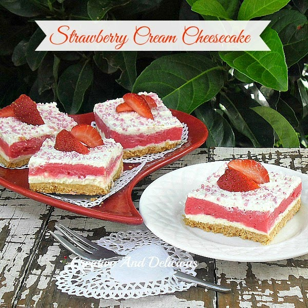 Strawberry Cream Cheesecake ~ creamy, refreshing and delicious! #StrawberryCheesecake #Desserts #ValentinesDesserts