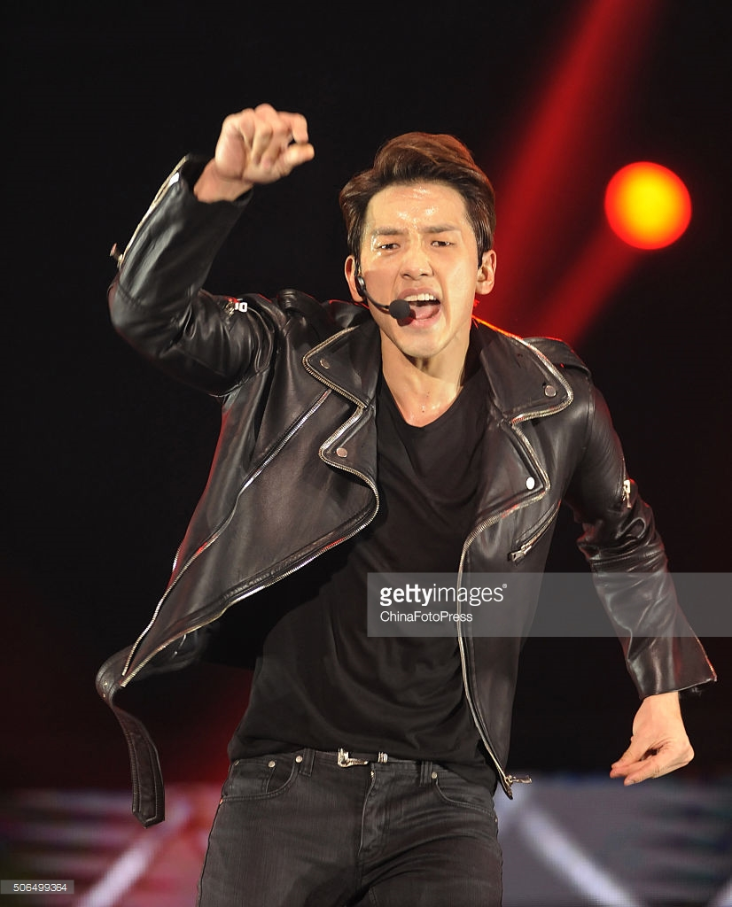 http://3.bp.blogspot.com/-12-p1R4t6iE/VqXRO4yfRzI/AAAAAAABQv4/766JbTMHGyI/s1600/south-korean-singer-rain-performs-onstage-during-his-concert-the-picture-id506499364.jpg