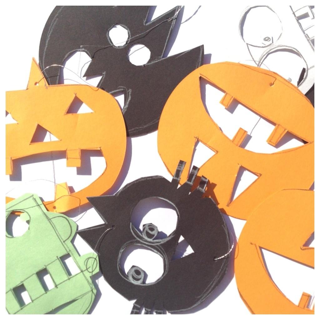 Schaeresteipapier halloween bei schaeresteipapier mit - Halloween girlande ...