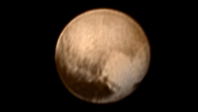 Plutão - imagem colorida