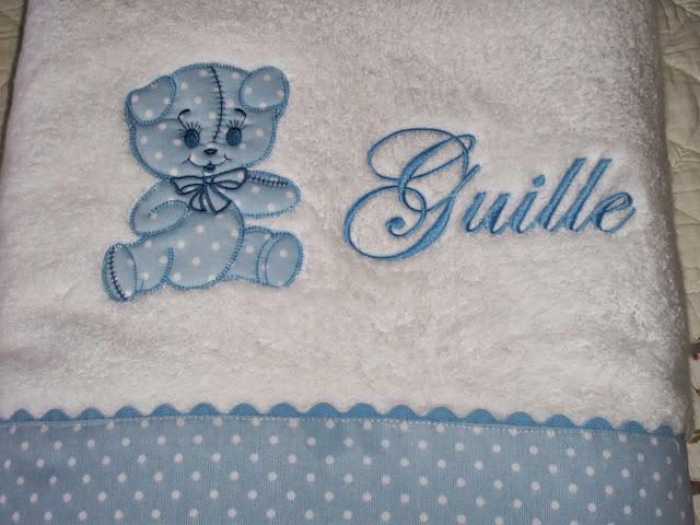 Entre agujas y canillas la mar de bordados toallas de - Capas de bano bebe personalizadas ...