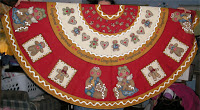 http://winnieswishauction.blogspot.com/2015/11/item-107-gingerbread-man-tree-skirt.html