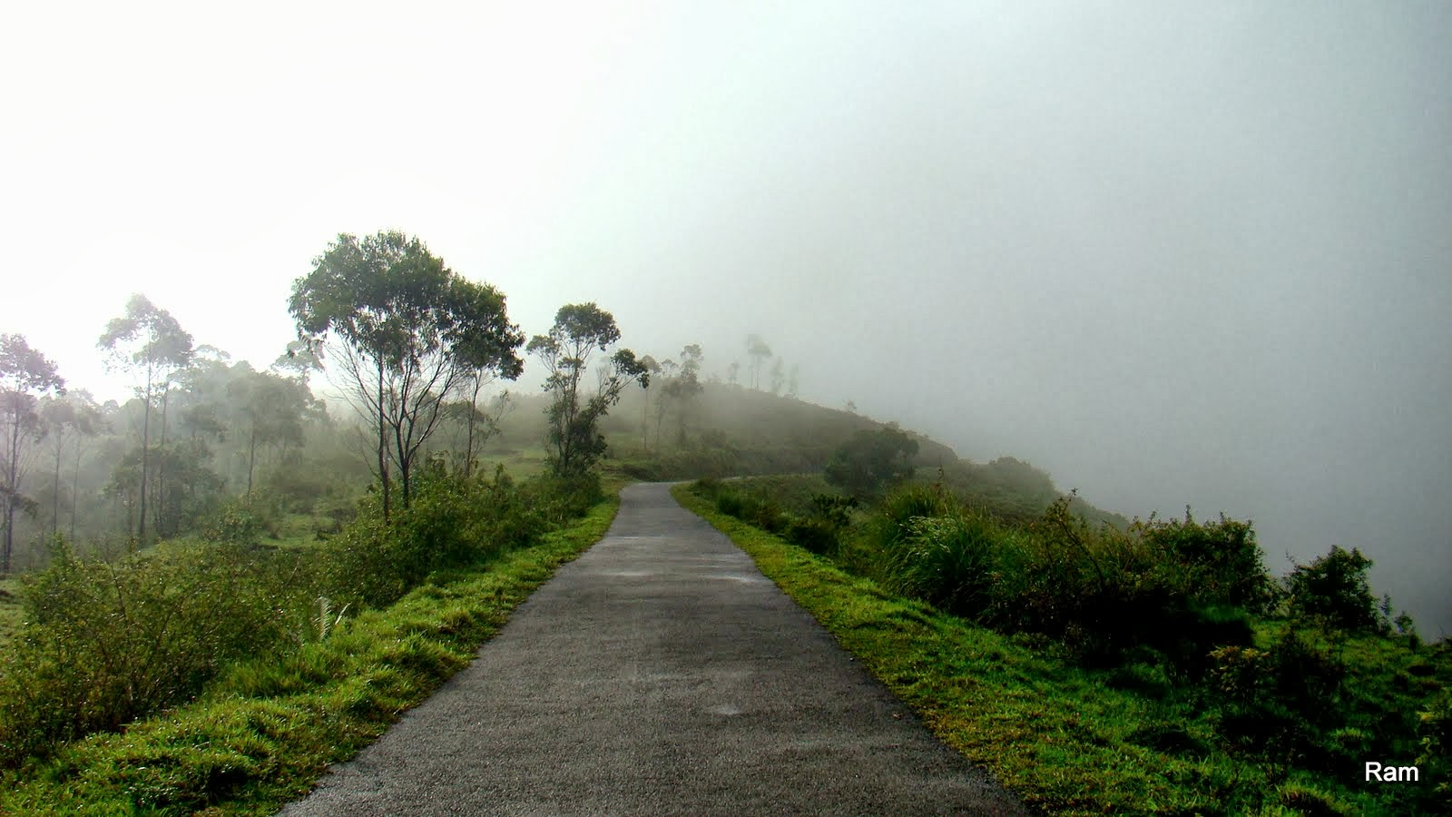 tourist places in kerala with pictures pdf