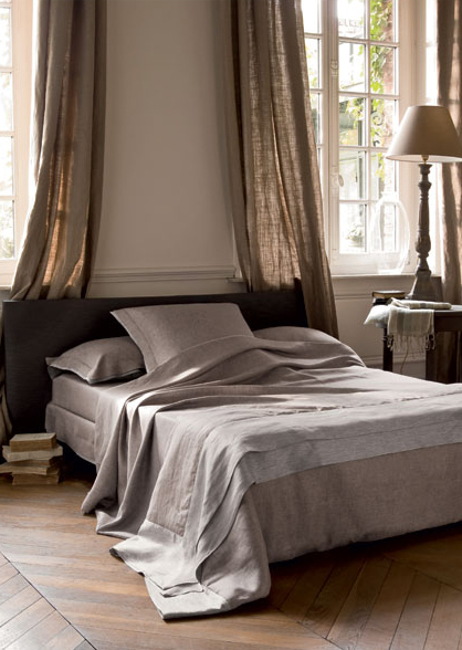 NEUTRAL HEAVEN Interior Design And Mood Creation Draped Linen In The Bedroom