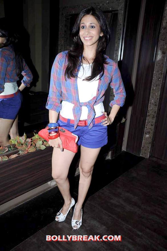 Kishwer Merchant - (11) - Hot Tv Babes at Audio release of 'Anjaani Si' album