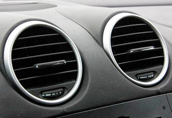 Tips Membersihkan AC Mobil