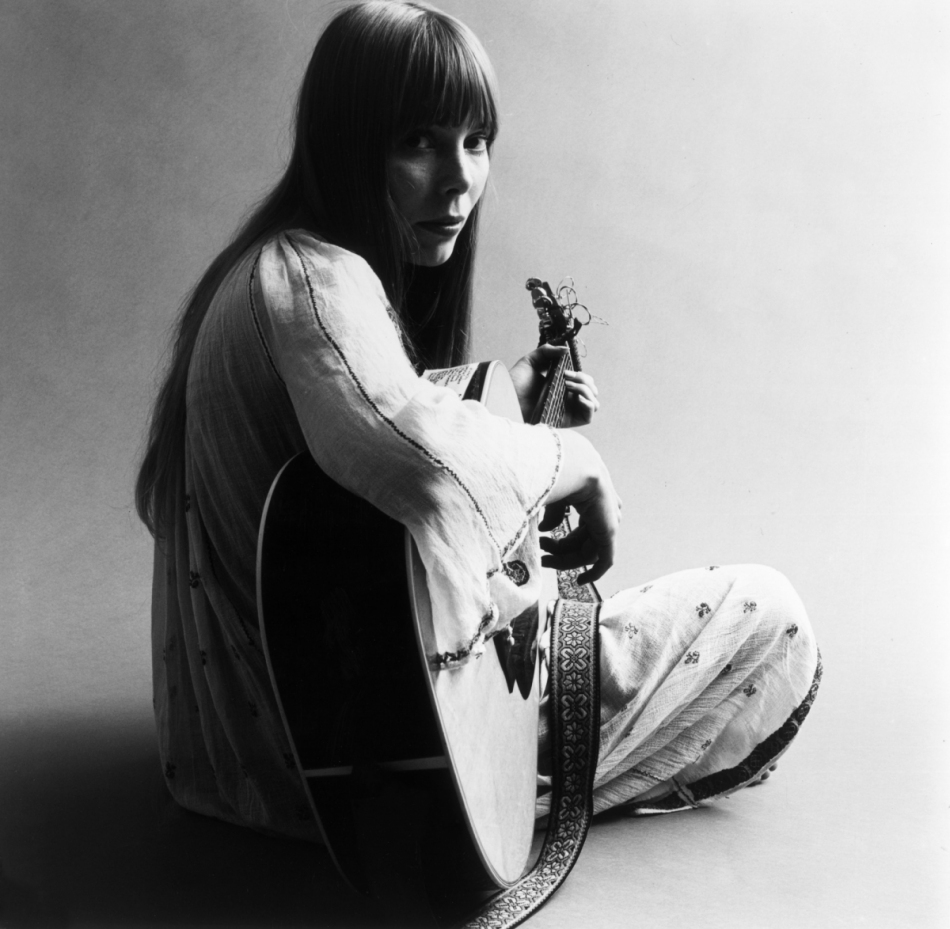 the life of joni mitchell In celebration of joni mitchell's 70th birthday today, here are 10 songs from the   david geffen &amp joni mitchell are photographed for life.