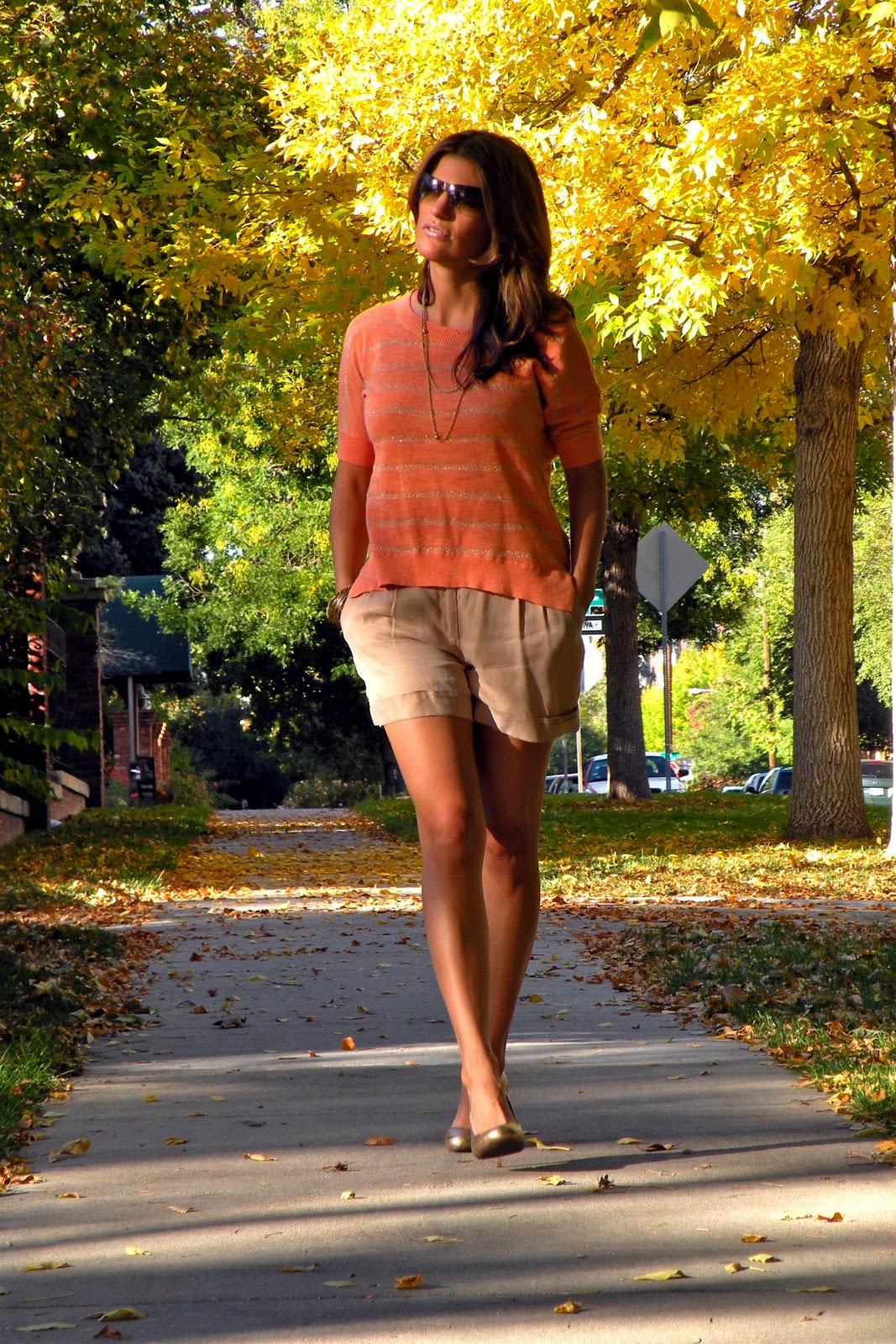 http://3.bp.blogspot.com/-13ILqmwxItI/TpuwDp2X95I/AAAAAAAAAIQ/2u1z6RyeXjY/s1600/fall+shorts.jpg