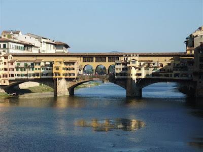 Ponte Vecchio Bridge, florence italy, river