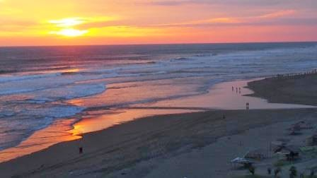 Didi Sadili Com Pantai Parangkusumo Di Jogja Yang Kini Didatangi Oleh Banyak Caleg