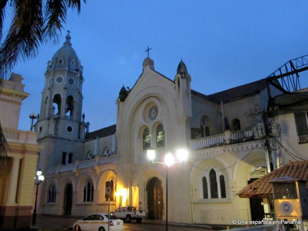 iglesia san felipe neri, plaza bolivar