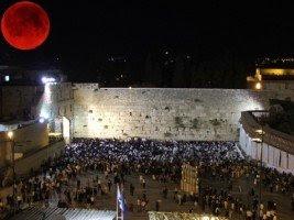 Judeus afirmam que lua de sangue trará mudança em Israel
