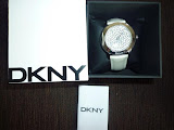 DKNY LARGE ROUND ROCKY METALLIC STRAP WATCH
