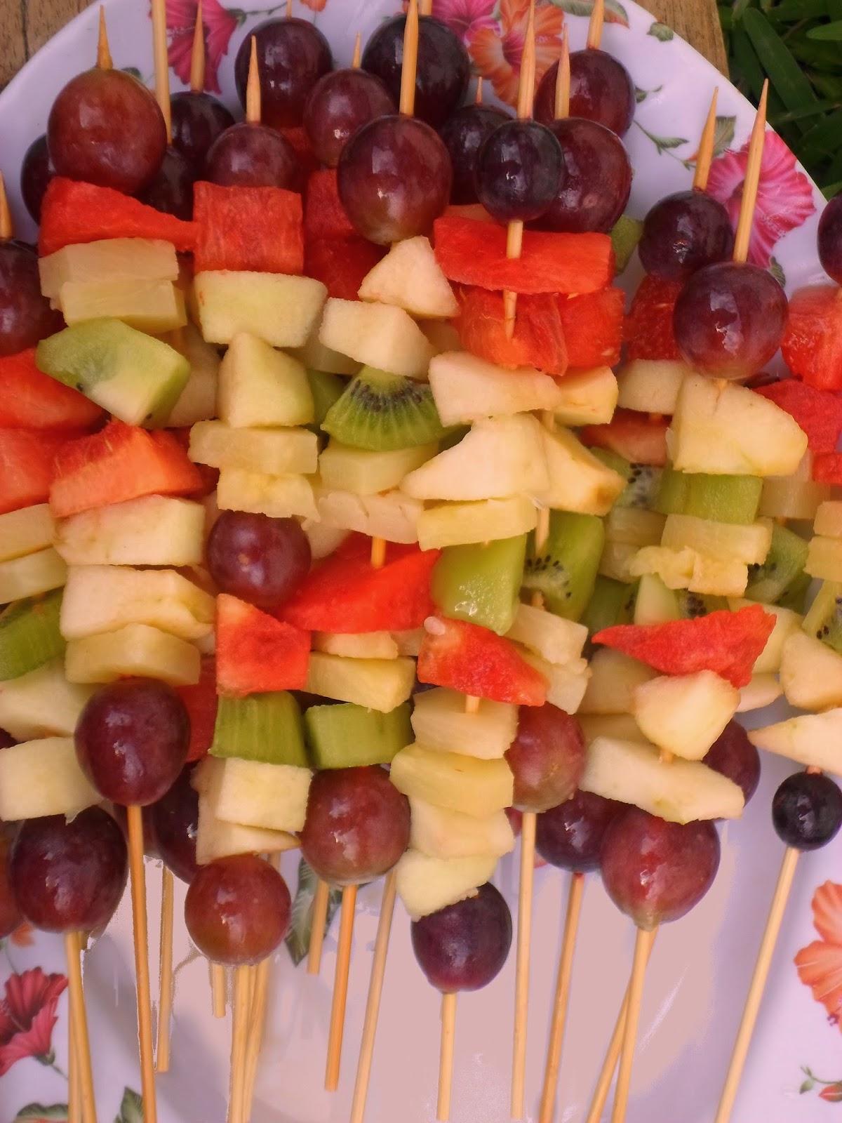 cuisine de carole brochettes de fruits. Black Bedroom Furniture Sets. Home Design Ideas