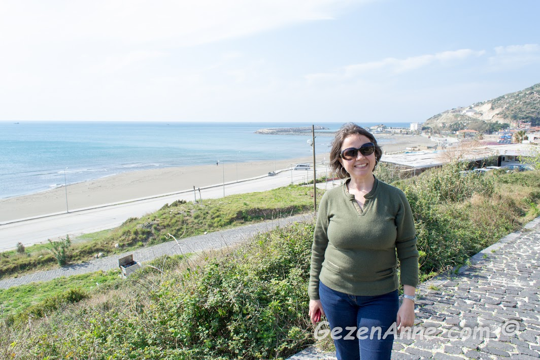 Akdeniz'in en doğusunda denizi izleyerek Titus tüneline doğru giderken, Samandağ Hatay