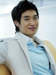 Biodata Jung Gyeo Woon Pemeran Kang Gun Woo