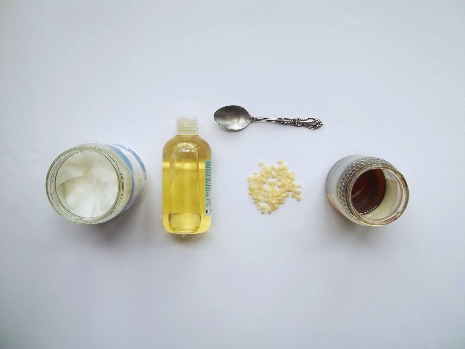 Bálsamo labial de coco y miel DIY