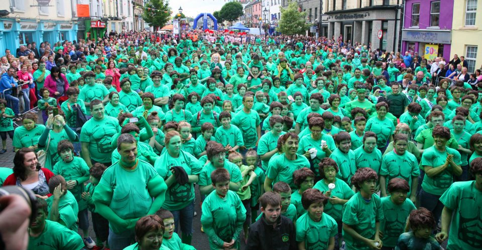 Changing ireland blog do it yourself cavan monaghan leader paves casteblayney goes green in their successful attempt to break the guinness world record for the most hulks in one place photo glenn murphy who is a solutioingenieria Choice Image