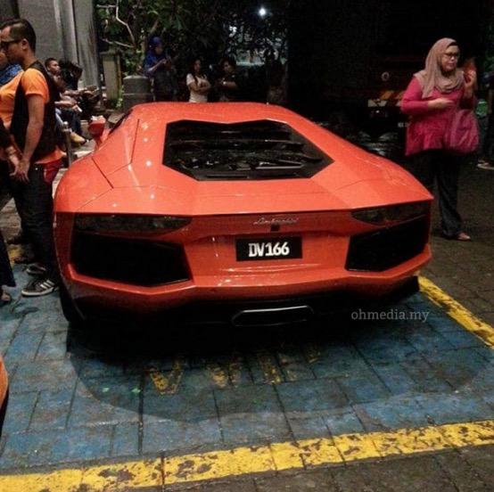 Kereta Mewah Milik Datuk Seri Vida