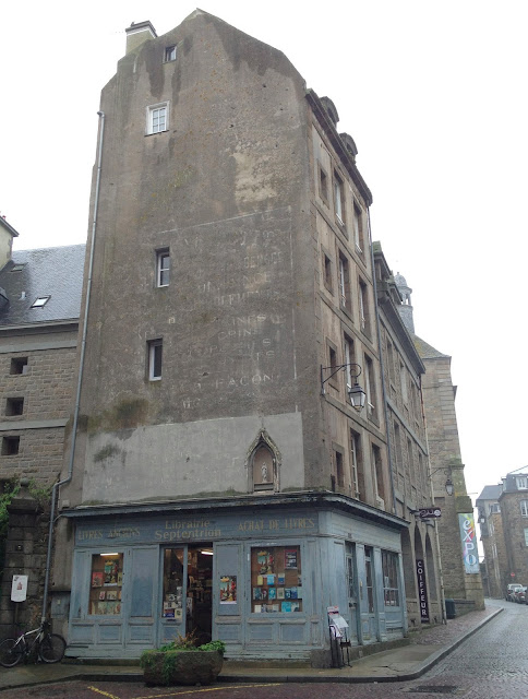 pute a saint malo put letters on pictures