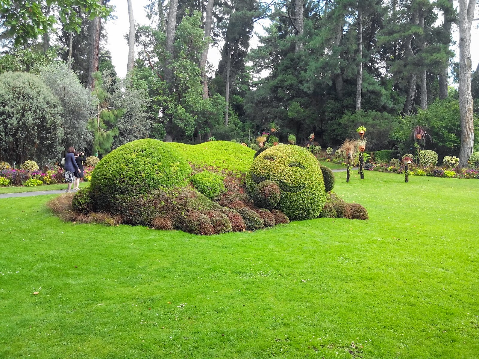 Van 2014 le jardin des plantes de claude ponti bull for Jardin de plante
