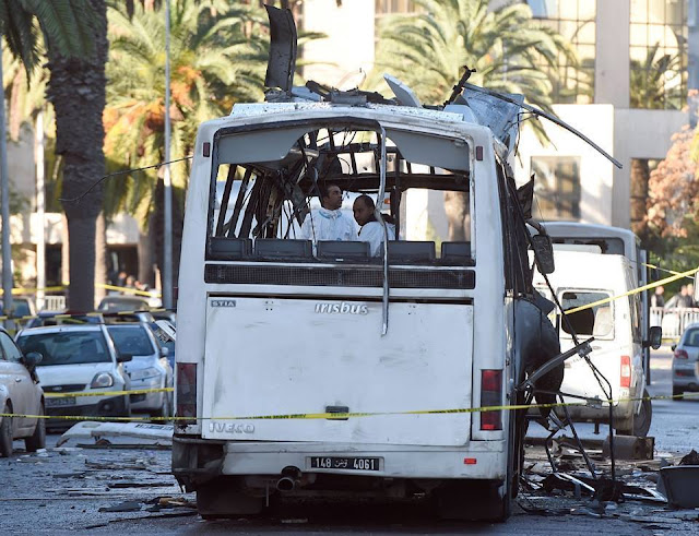 PHOTOS: Le bus sinistré de la garde présidentielle