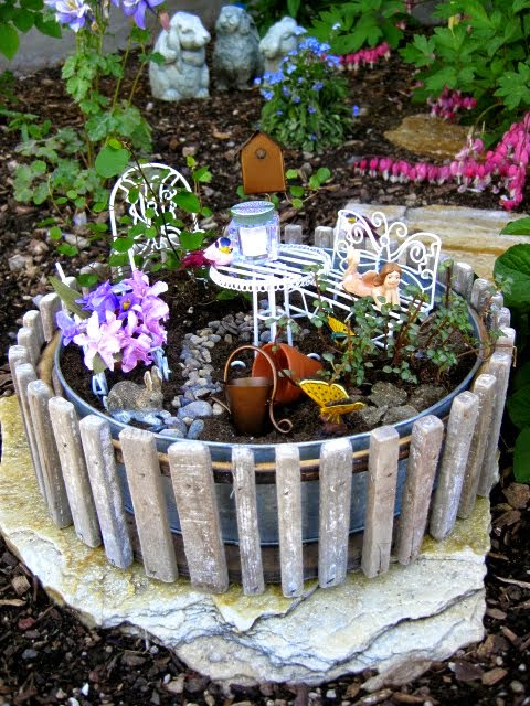 My petite fairy garden...