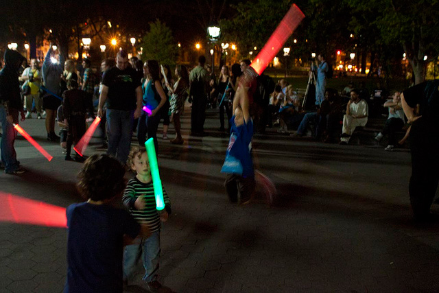 Largest Lightsaber Fight in the New York Park 02