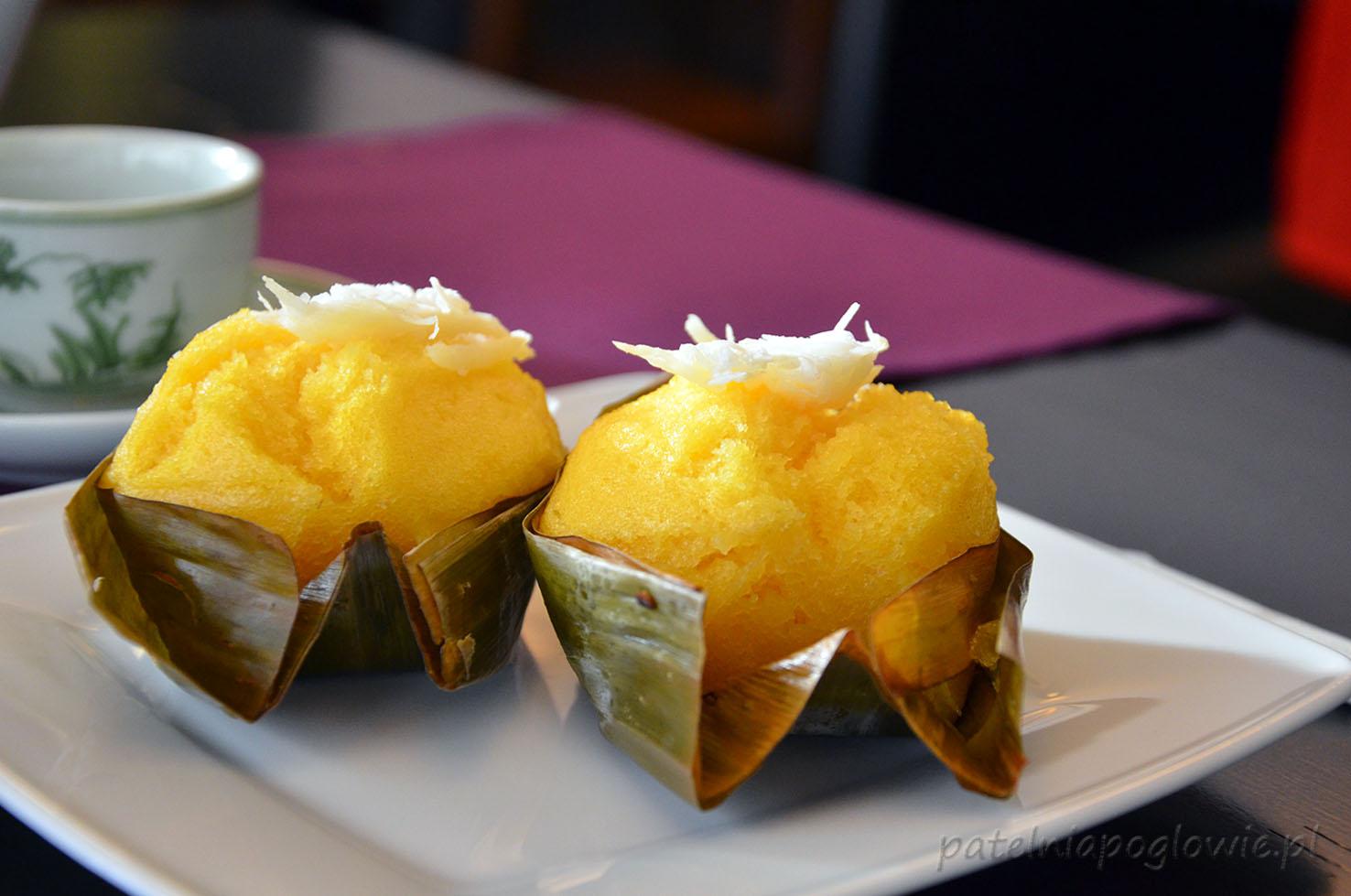 restauracja Yummy, obiad, Warszawa, zupa, deser, makaron, ciasto kokosowe na parze