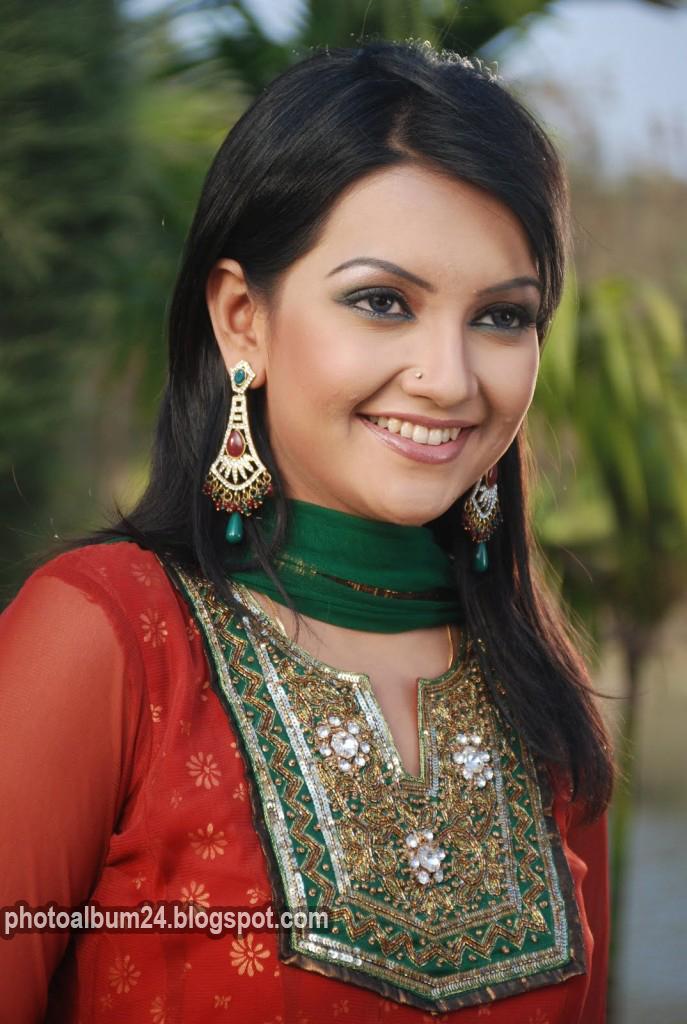 Bangladeshi Tv Actress Nowshin Photo Album 24
