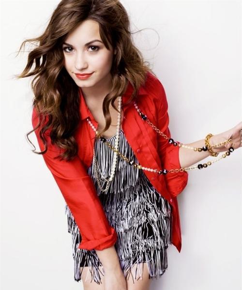 http://3.bp.blogspot.com/-15wWX7ZC45c/UDKQ6_C0ukI/AAAAAAAAD1w/0t6ONzGeUfg/s1600/Demi+Lovato+002.jpg