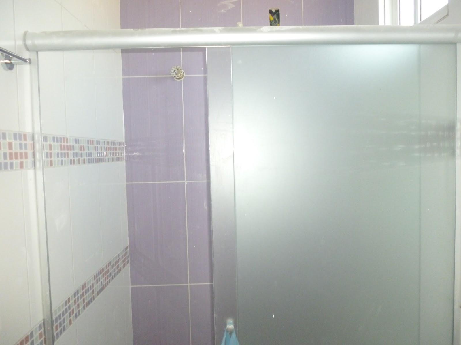BOX PARA BANHEIRO EM VIDRO TEMPERADO INCOLOR C/PELÍCULA JATEADA #73694B 1600x1200 Banheiro Branco Fosco