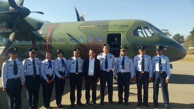 Ini Alasan Dahlan Iskan Lakukan Kunjungan Dengan Pesawat CN-295