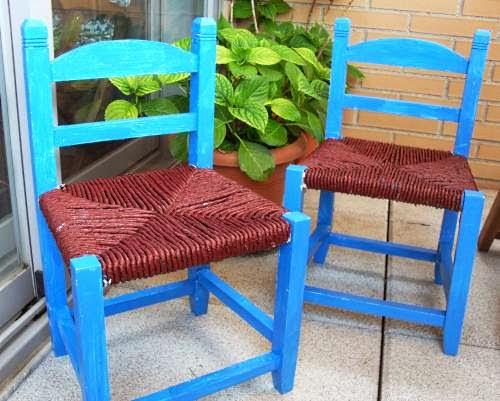 A la b squeda de cosas bonitas diy unas sillas con nueva for Sillas bonitas