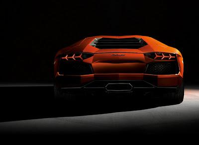 Lamborghini-Aventador-Back