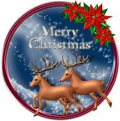 雪のクリスマスイブを背景にしたトナカイの無料イラスト