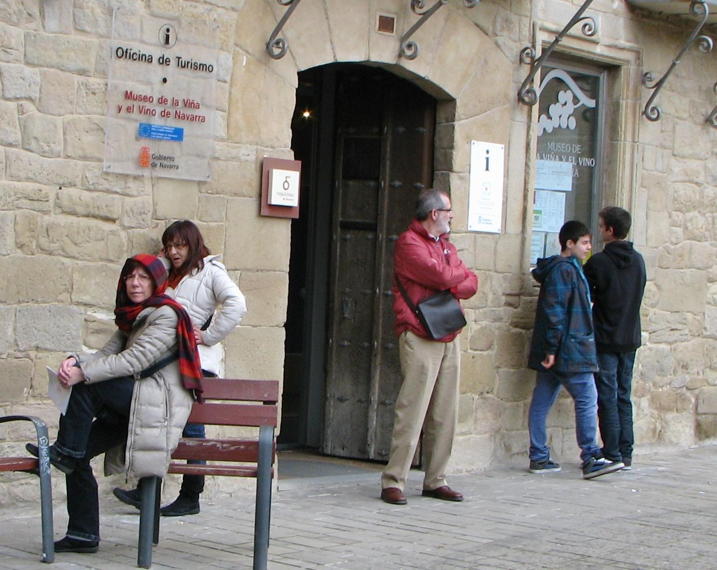 El olitense bi tajo del 50 al horario de la oficina de for Oficina turismo olite